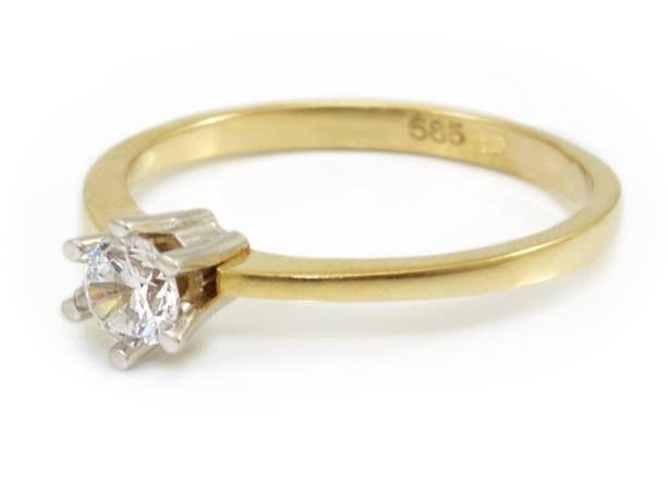 Sárga egyköves eljegyzési gyűrű
